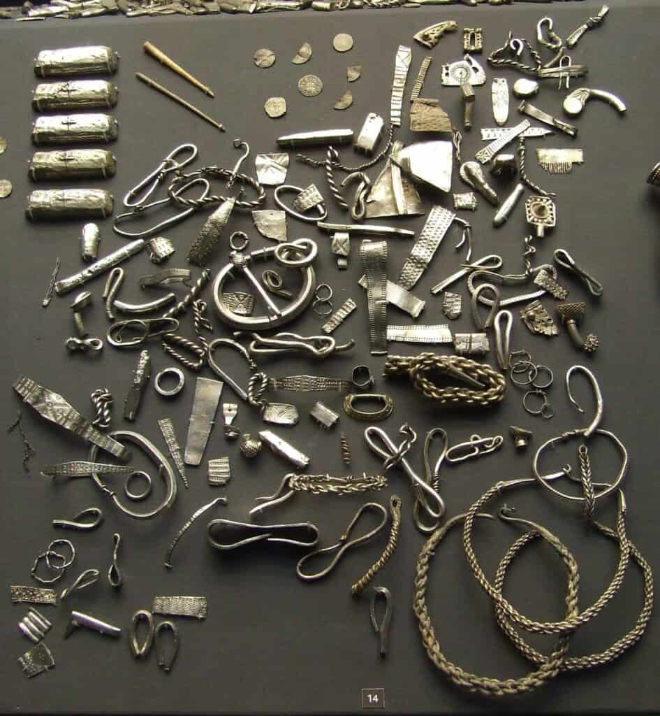 19 Amazing Treasures Discovered